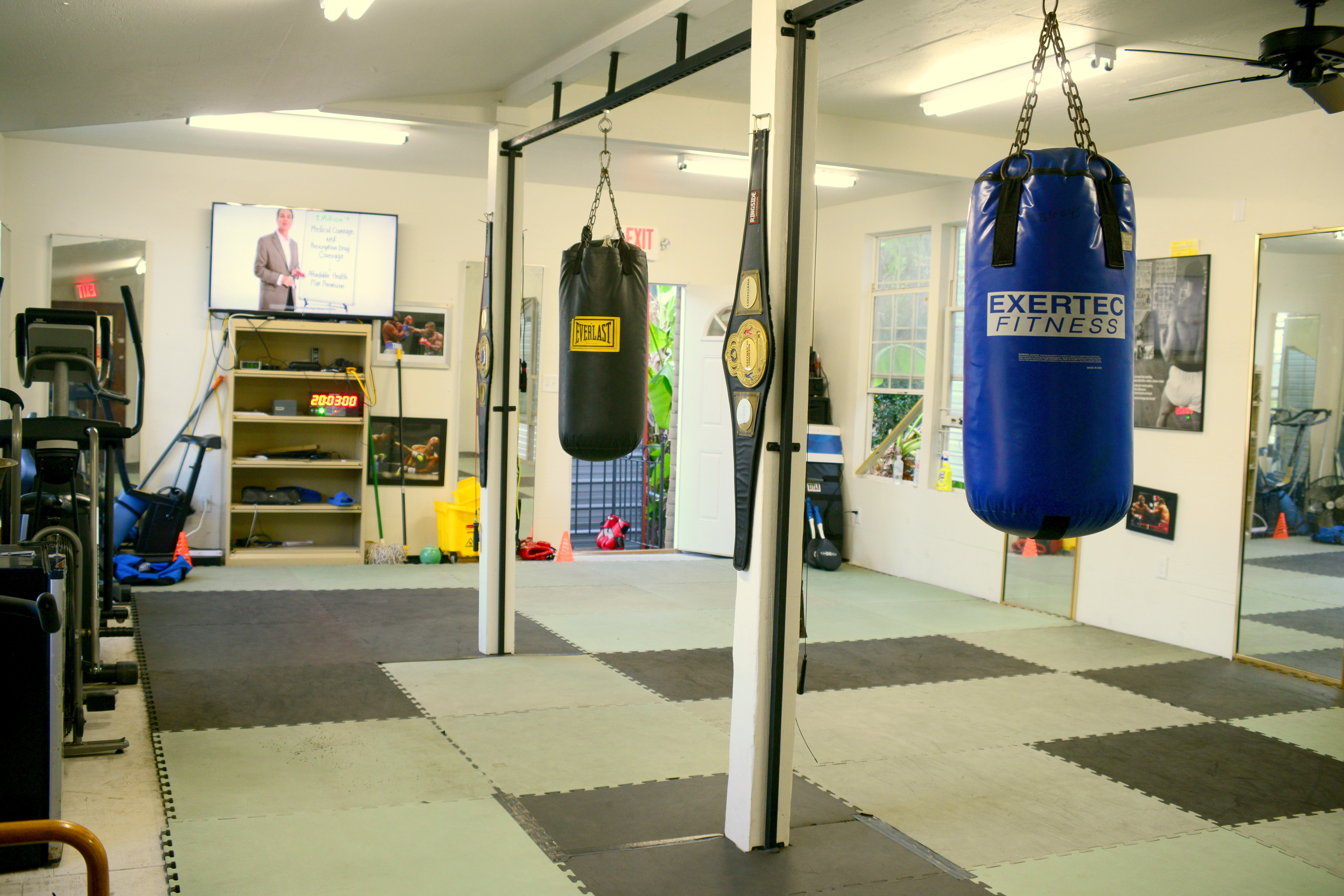 Experience The Le Boxeur Sport S Difference Spar With A Professional Heavyweight Boxer Action Fred Want To Actually Learn How Box Not Just Swing